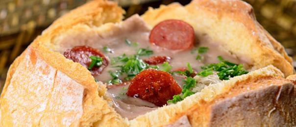 Sopa de Feijão no Pão Italiano