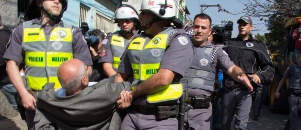 Suplicy é detido em protesto contra reintegração de posse na Zona Oeste