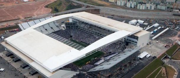 Após alerta de vazamento na Arena Corinthians, Sabesp vistoria estádio