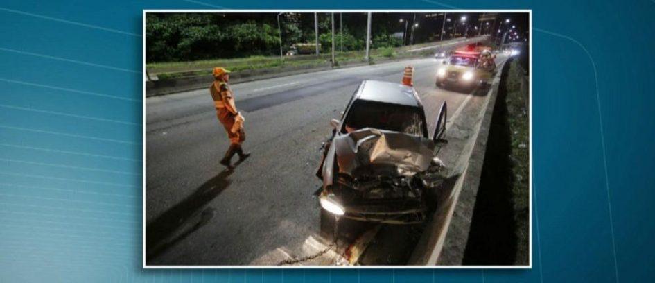 Carro bate em veículo da CET na Marginal Pinheiros 1h após aumento da velocidade
